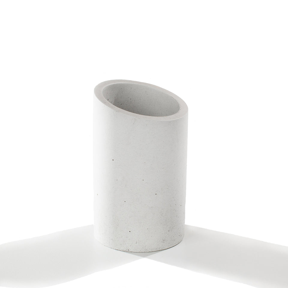 Angl Concrete Cup