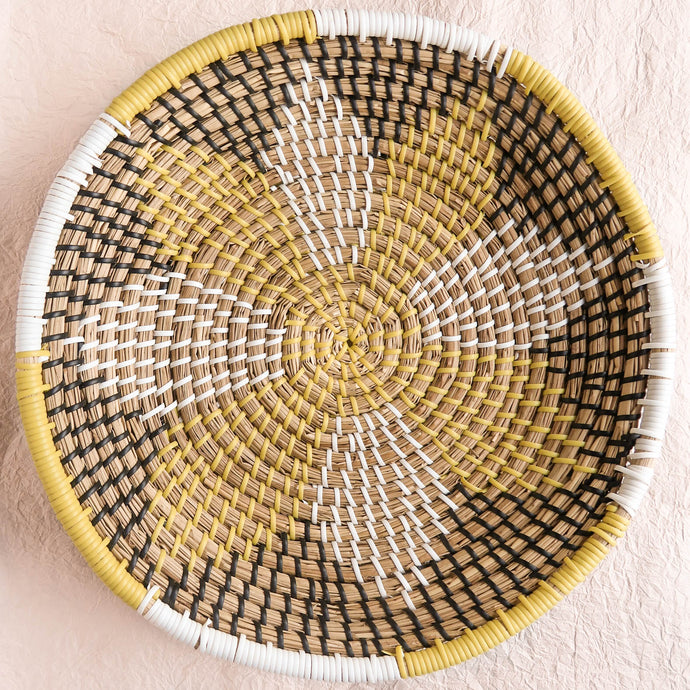 Woven bowl star pattern seawgrass plastic white yellow black