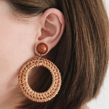 Load image into Gallery viewer, Lotti Rattan Hoop Earrings brown with brown pearl on ear