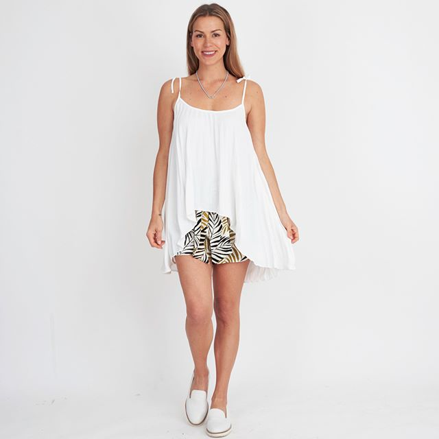 peggy minnie white closet white pleated top