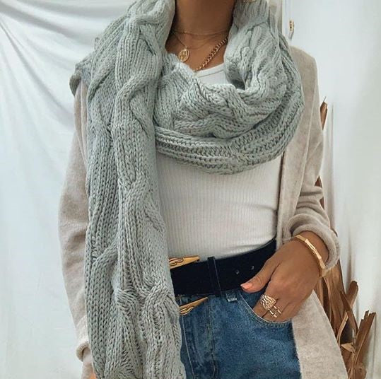 Pink Diamond - Grey Chunky Scarf