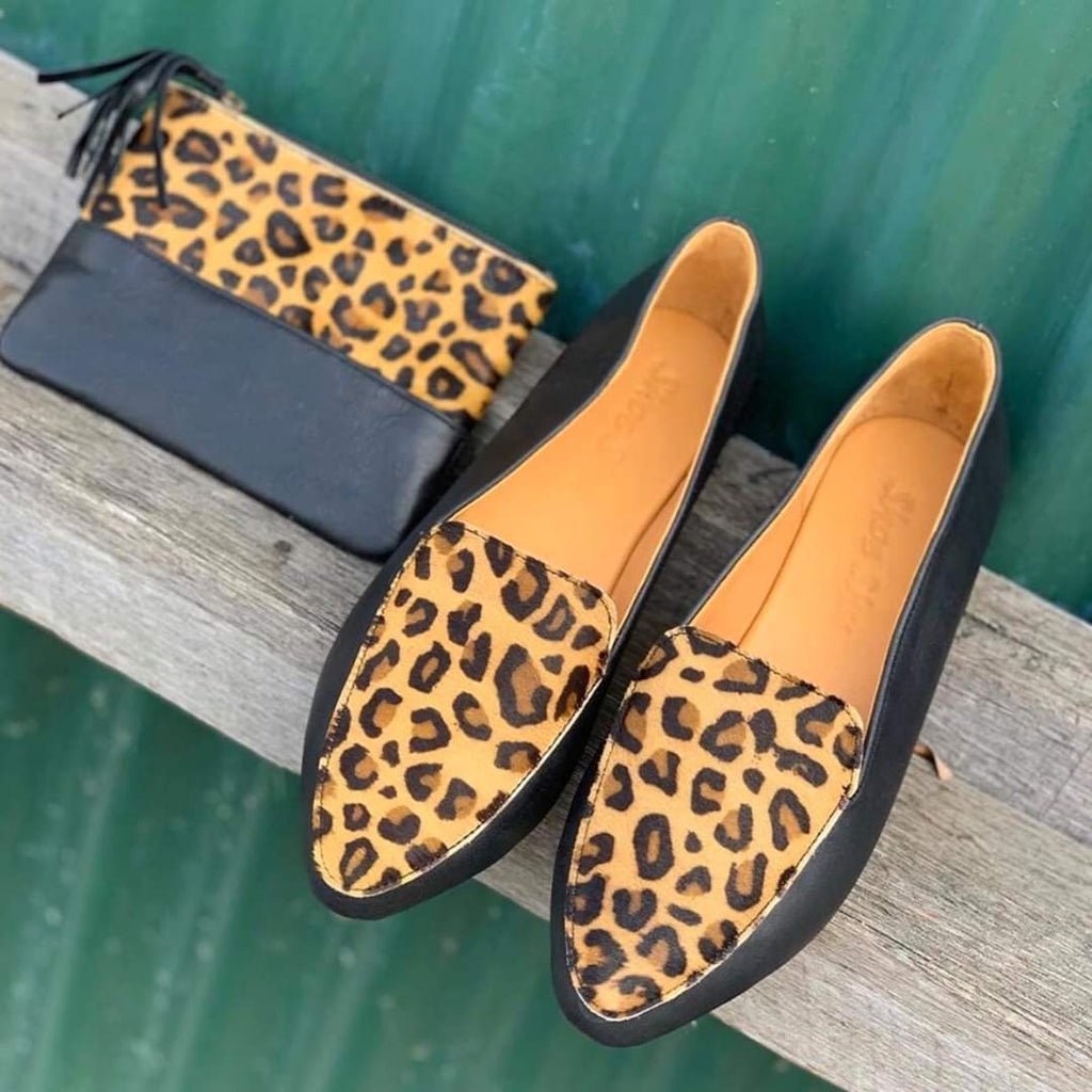 Copy of Shoe Shu - Black Leather Leopard Pointed Loafer