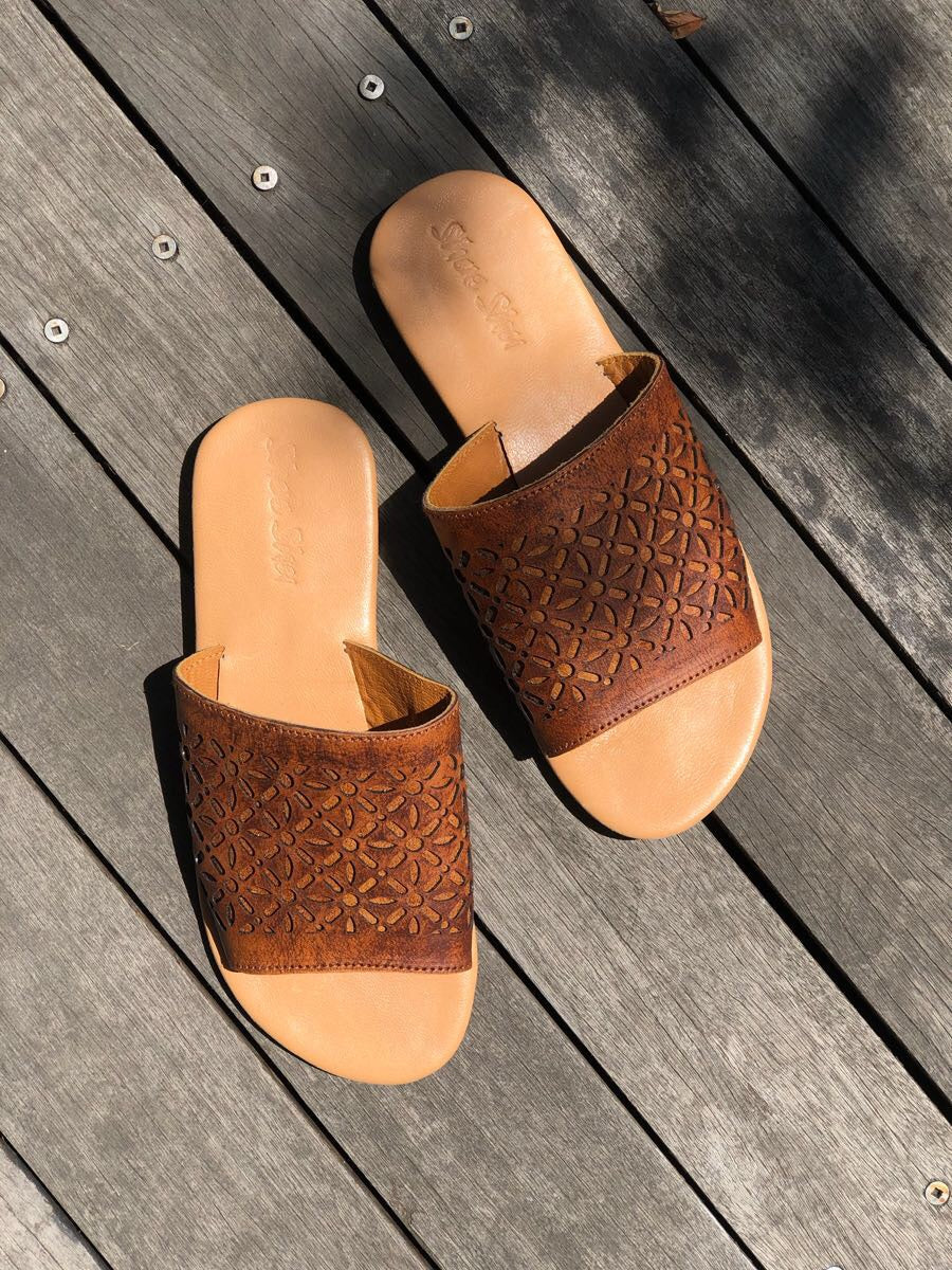 Shoe Shu - Vintage Tan Laser Cut Leather Slide