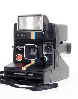 Polaroid One Step Plus Camera With Polaroid Q Light