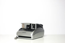 Load image into Gallery viewer, Refurbished Polaroid 600 Camera