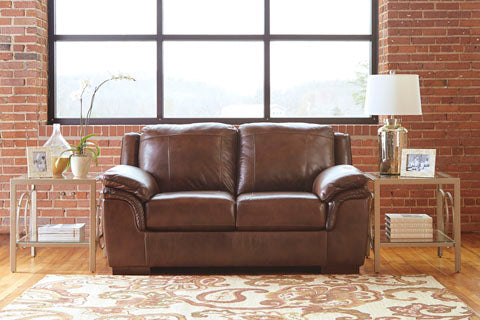Islebrook Canyon Loveseat