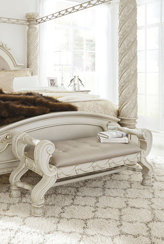 Shop Ashley Furniture Cassimore Large Uph Bedroom Bench at Mealey's Furniture