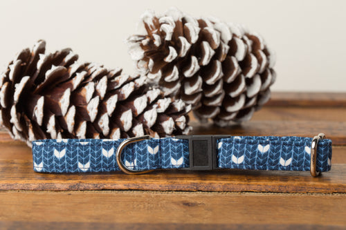 Blue Knit Cat Collar