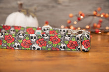 Load image into Gallery viewer, Skulls and Roses Dog Collar
