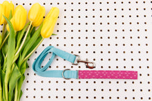 Load image into Gallery viewer, Magenta Arrows Minimalist Matching Dog Leash