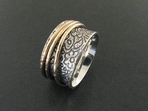 Tapestry Spinny Ring