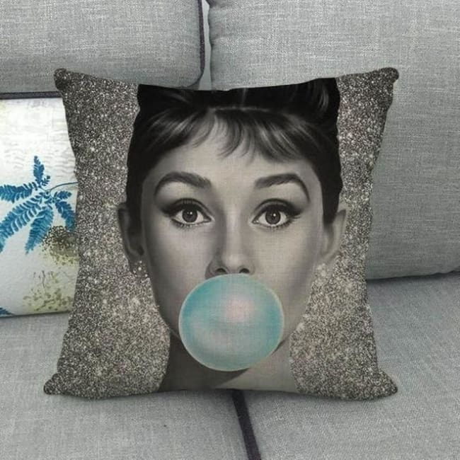 Housses de coussin de la COLLECTION BUBBLE STAR - Audrey Hepburn 1 - coussins - La boutique by c.