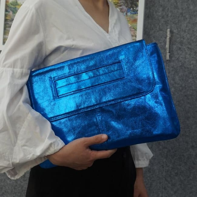 Pochette PASSE-MAIN de la COLLECTION MESSAGE CODE - bleu - sacs - La boutique by c.