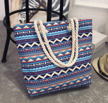Load image into Gallery viewer, Wayuu Style Tote Bag