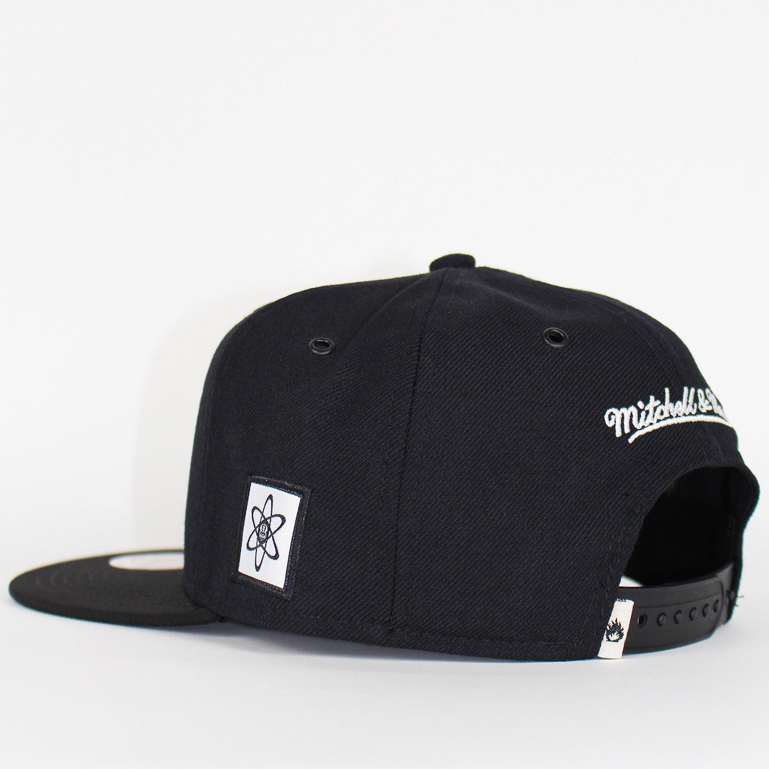 Mitchell /& Ness x Capology Atom Black Snapback Limited Edition Baseball Cap