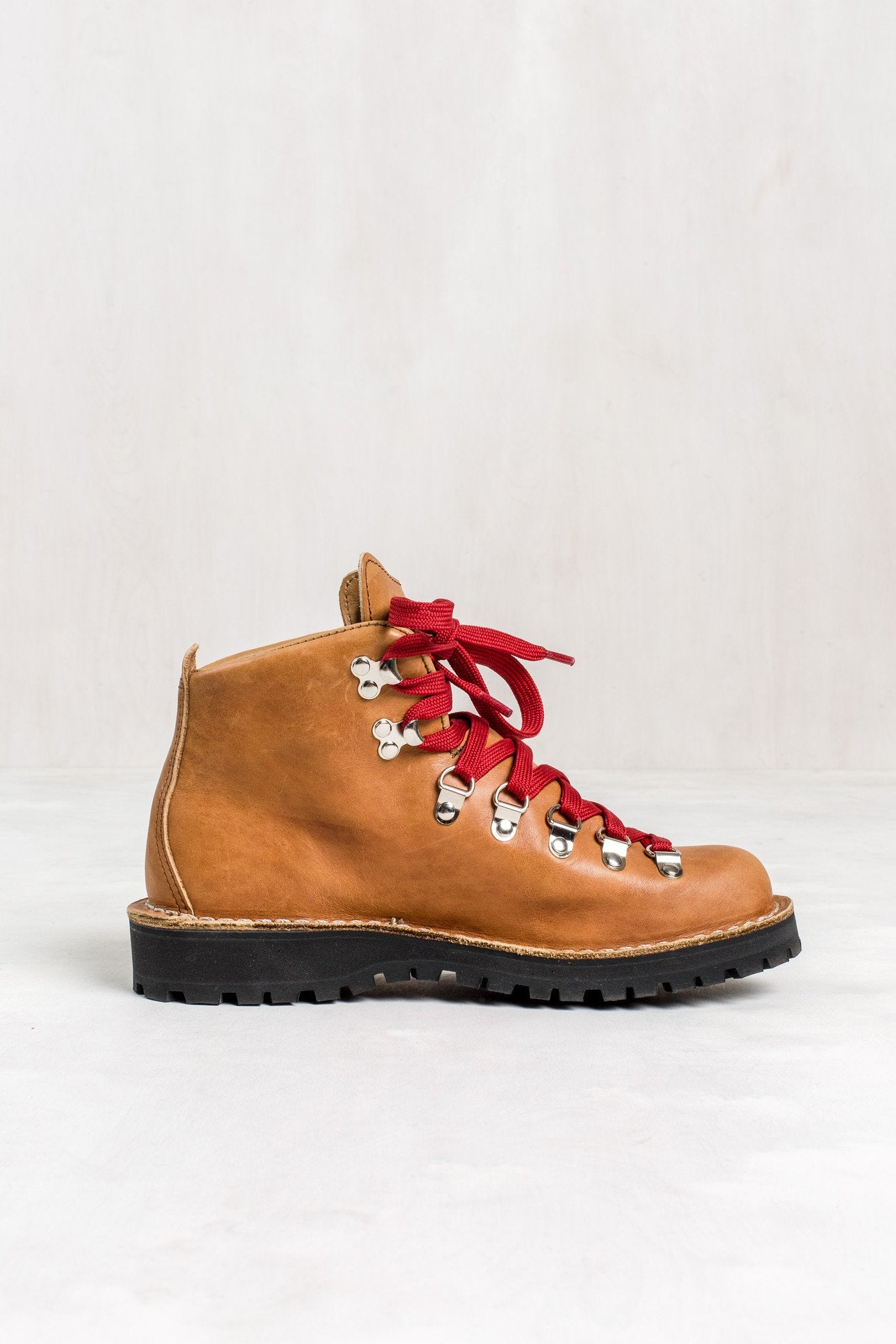 Women's Danner Mountain Light Cascade Boots