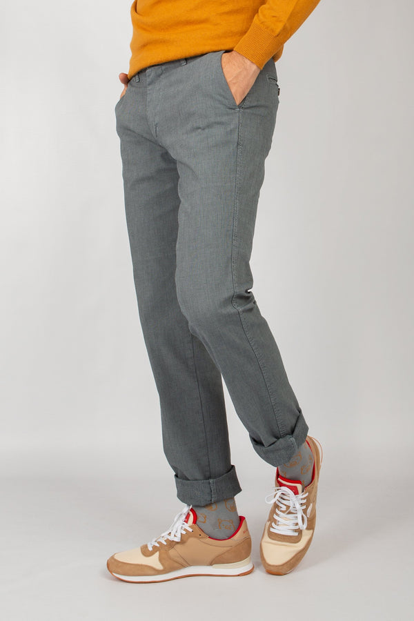 PANTALON PATA DE GALLO GRIS