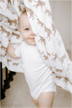 Load image into Gallery viewer, aden + anais hear me roar classic muslin 4-pack swaddles - Haut Monde