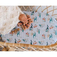 Load image into Gallery viewer, Snuggle Hunny - WHALE Bassinet Sheet/Change Pad Cover - Haut Monde