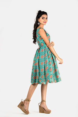 PRINTED BOX PLEATED DRESS