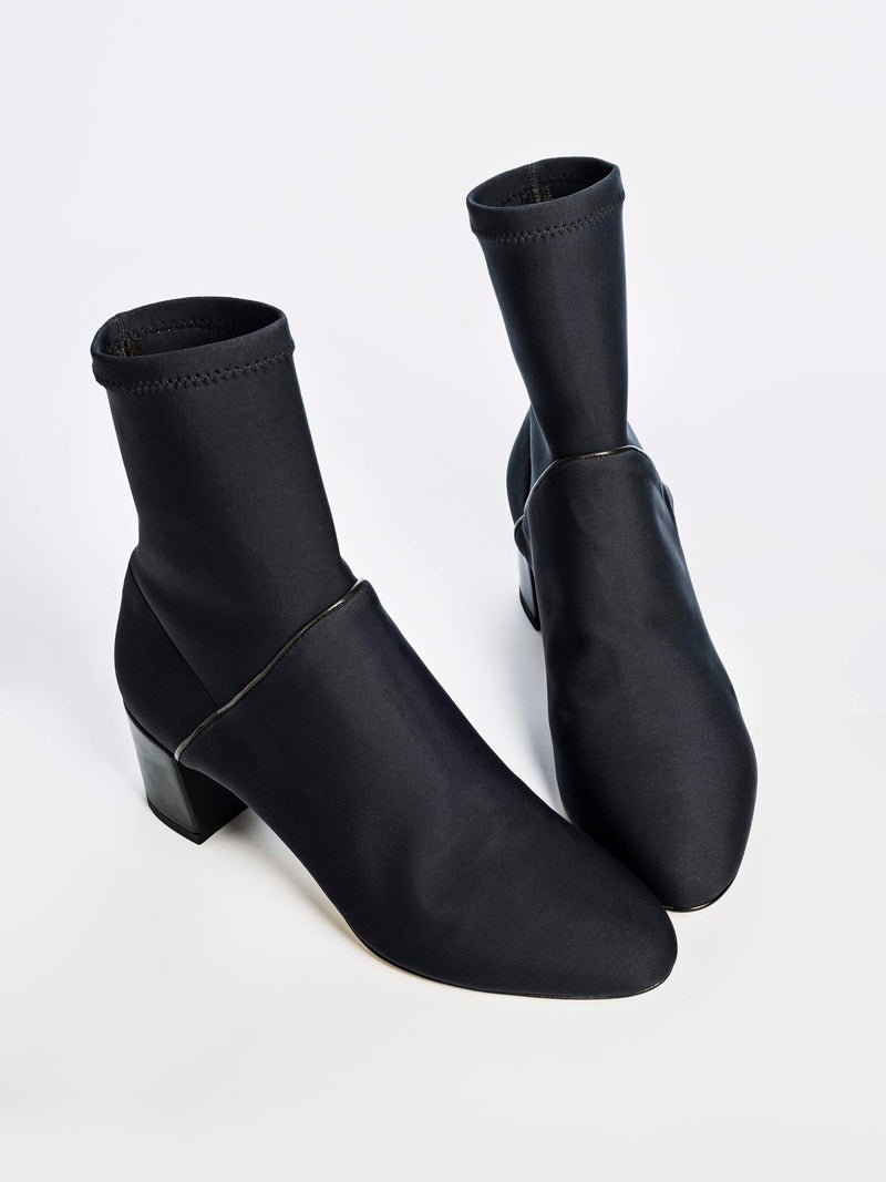 Monti Weatherproof Black Neoprene