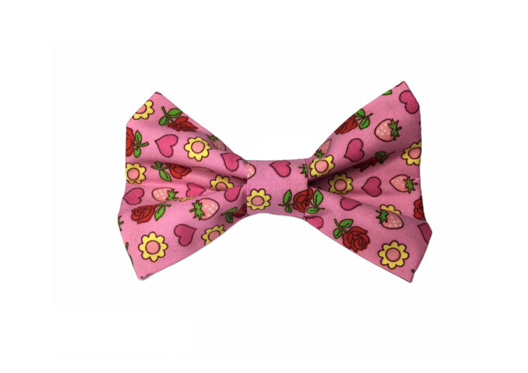 Strawberries and Roses print cotton dog bow tie with elastic loop to slide onto any dog collar. Perfect match to our range of hand made and washable dog collars.