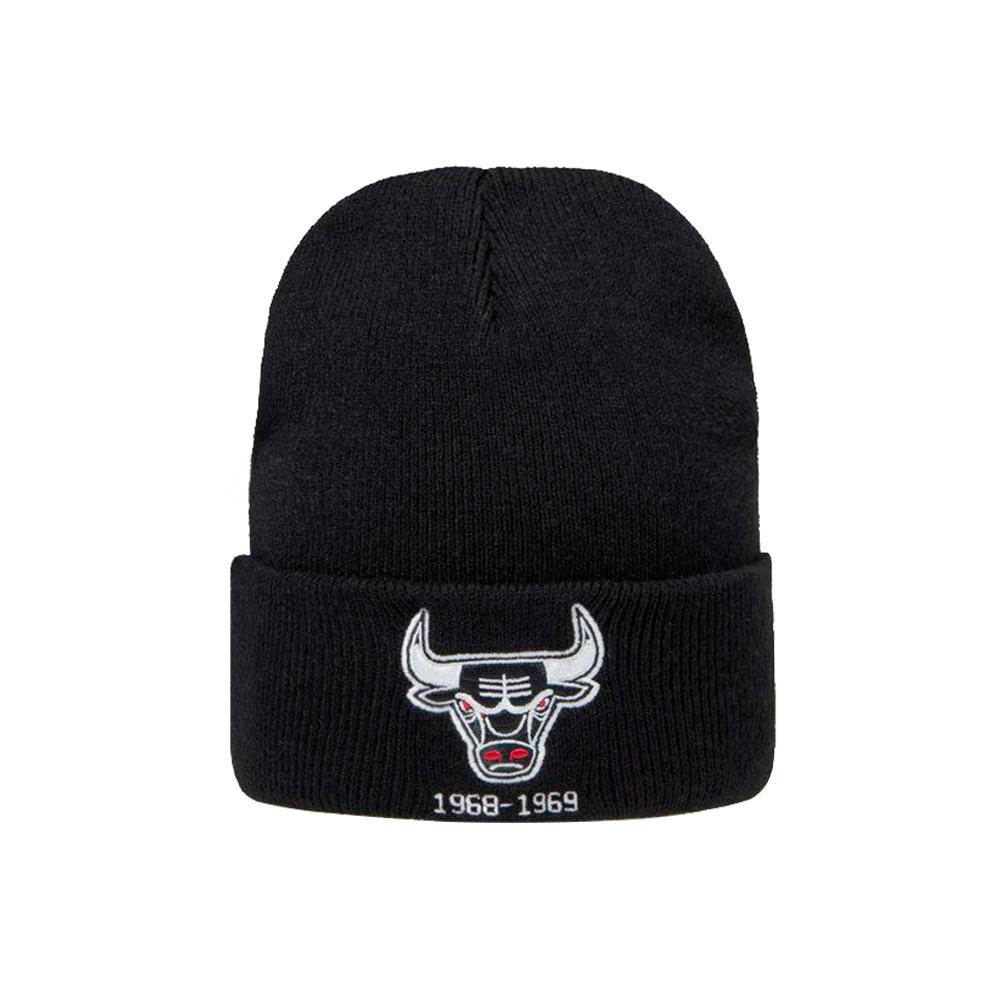 Mitchell & Ness - Chicago Bulls Team Logo Knit Cuff - Beanie - Black