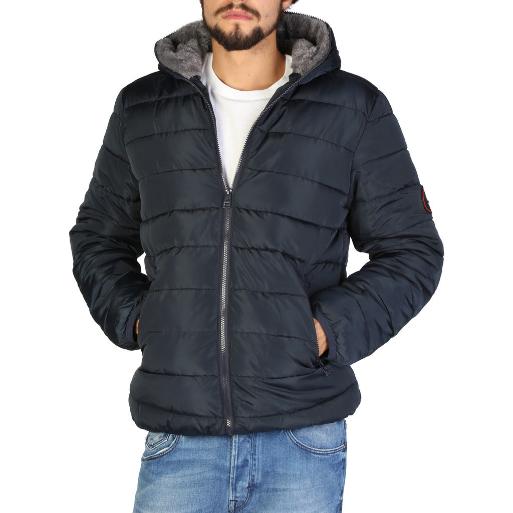 Geographical Norway - Blackfish_man