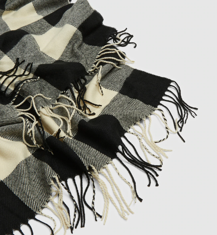 Check Pattern Scarf in Black Buffalo