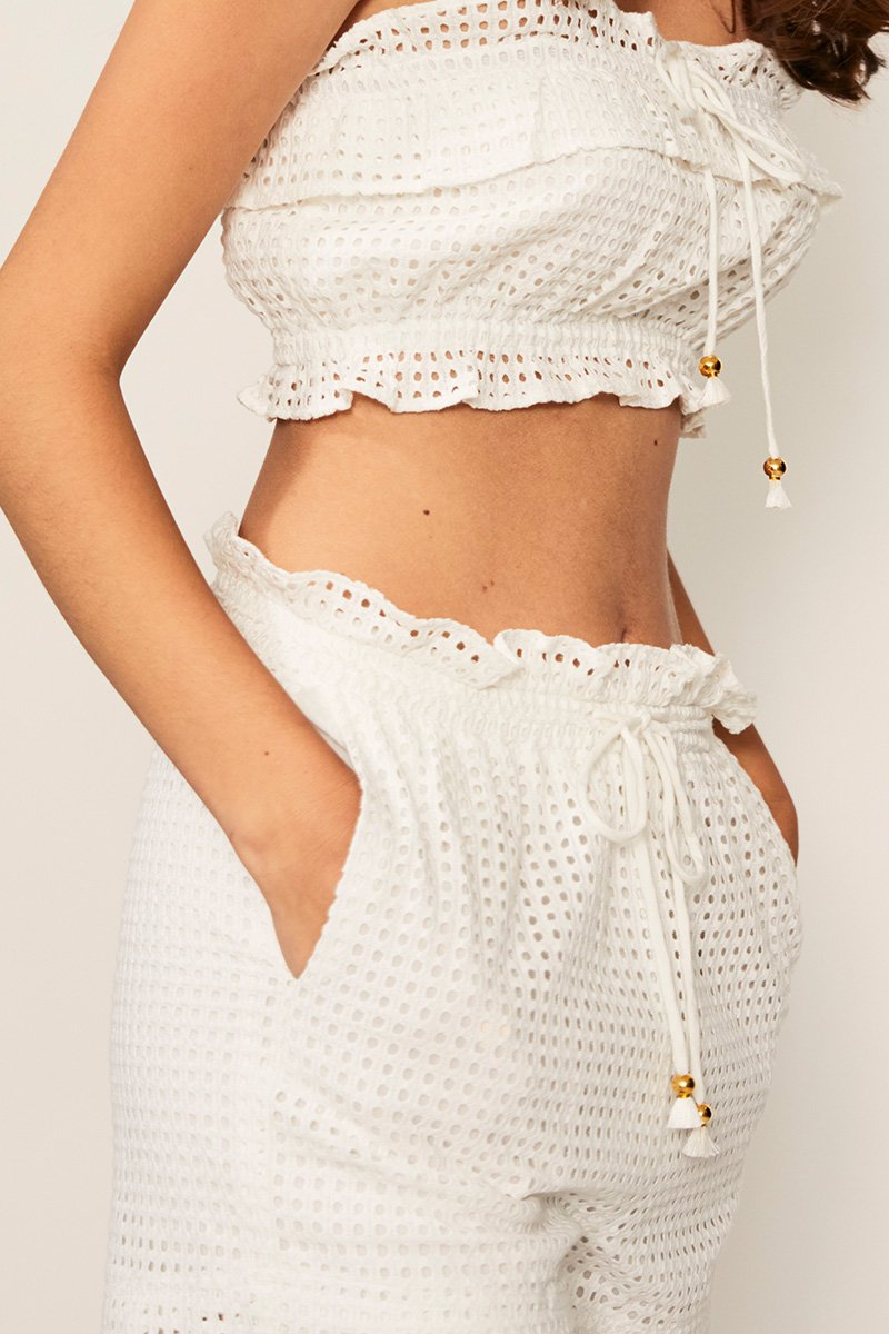 Edie Ruffle Lace Shorts in Ivory