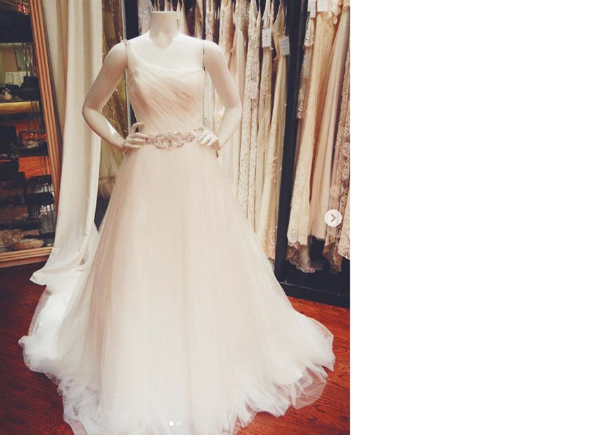 Jaehee Bridal Atelier donated a wedding dress to a breast cancer survivor