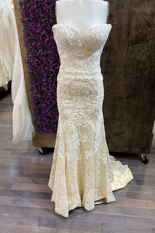 MAGGIE SOTTERO BRITANNI SAMPLE SALE