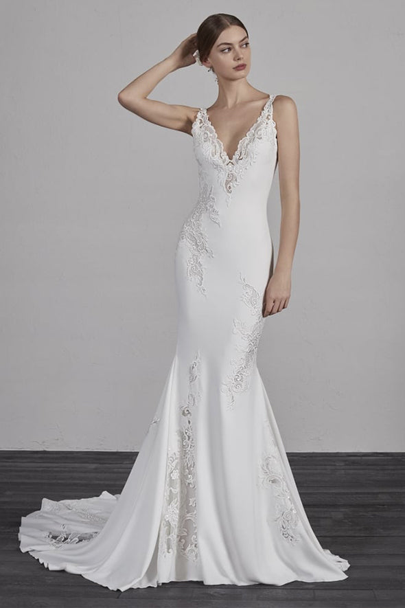 PRONOVIAS ENYA SAMPLE SALE