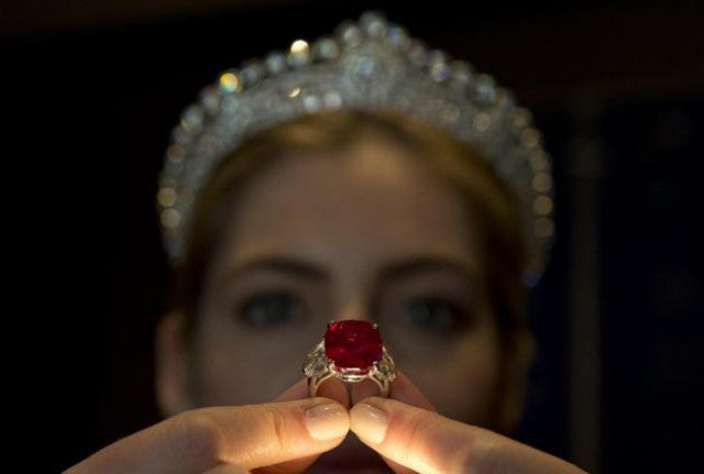 Gem Rock Auction - The Sunrise Ruby Ring - Cartier