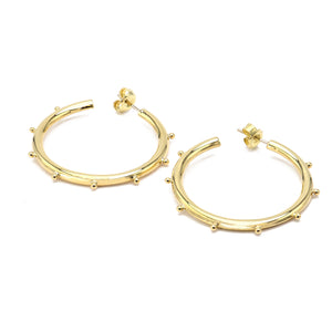 Classic Hoop Earring in 18k Gold