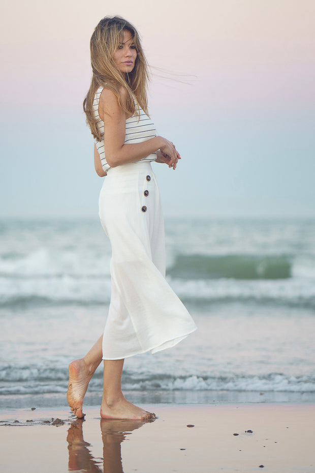 Falda midi blanca Dress Division lateral playa