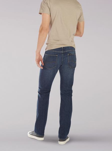MEN'S EXTREME MOTION SLIM STRAIGHT LEG JEAN