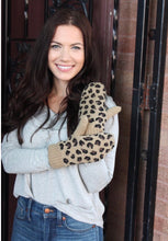Load image into Gallery viewer, Leopard Mittens