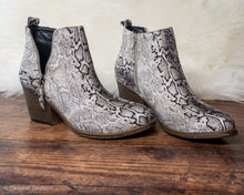 Load image into Gallery viewer, Snakeskin Zipper Booties