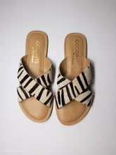 Load image into Gallery viewer, Zebra Flat Sandals