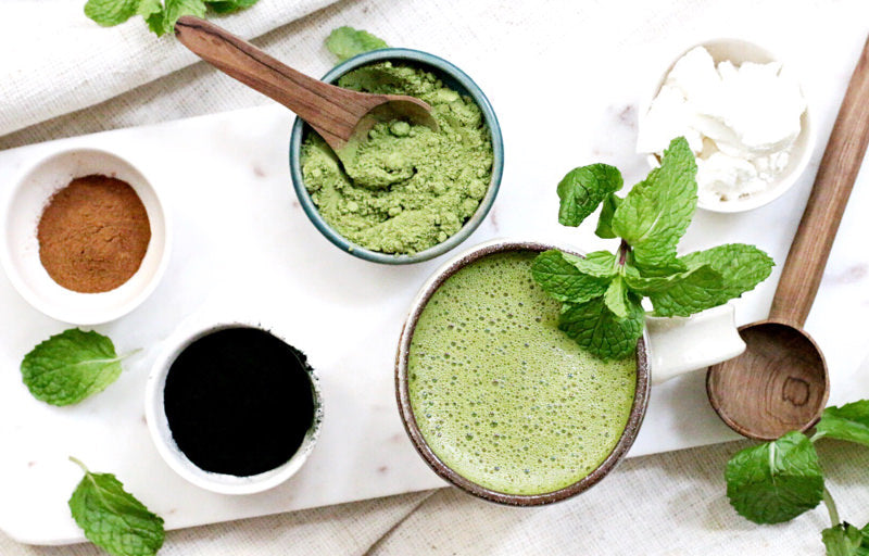 A SPIRULINA & MATCHA LATTE FOR YOUR MORNING