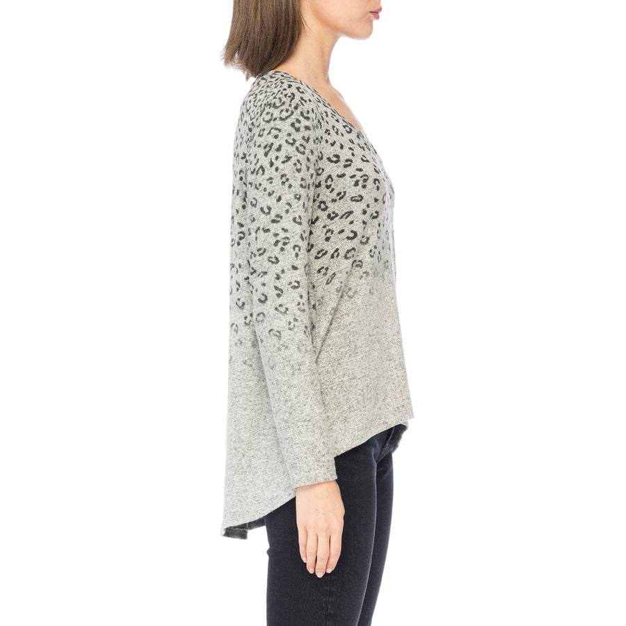 Lisa V-Neck Cozy Top in Faded Leopard