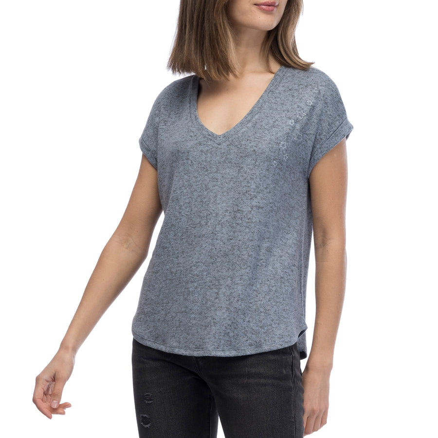Beth Shortsleeve V-Neck w/ Star Embroidery