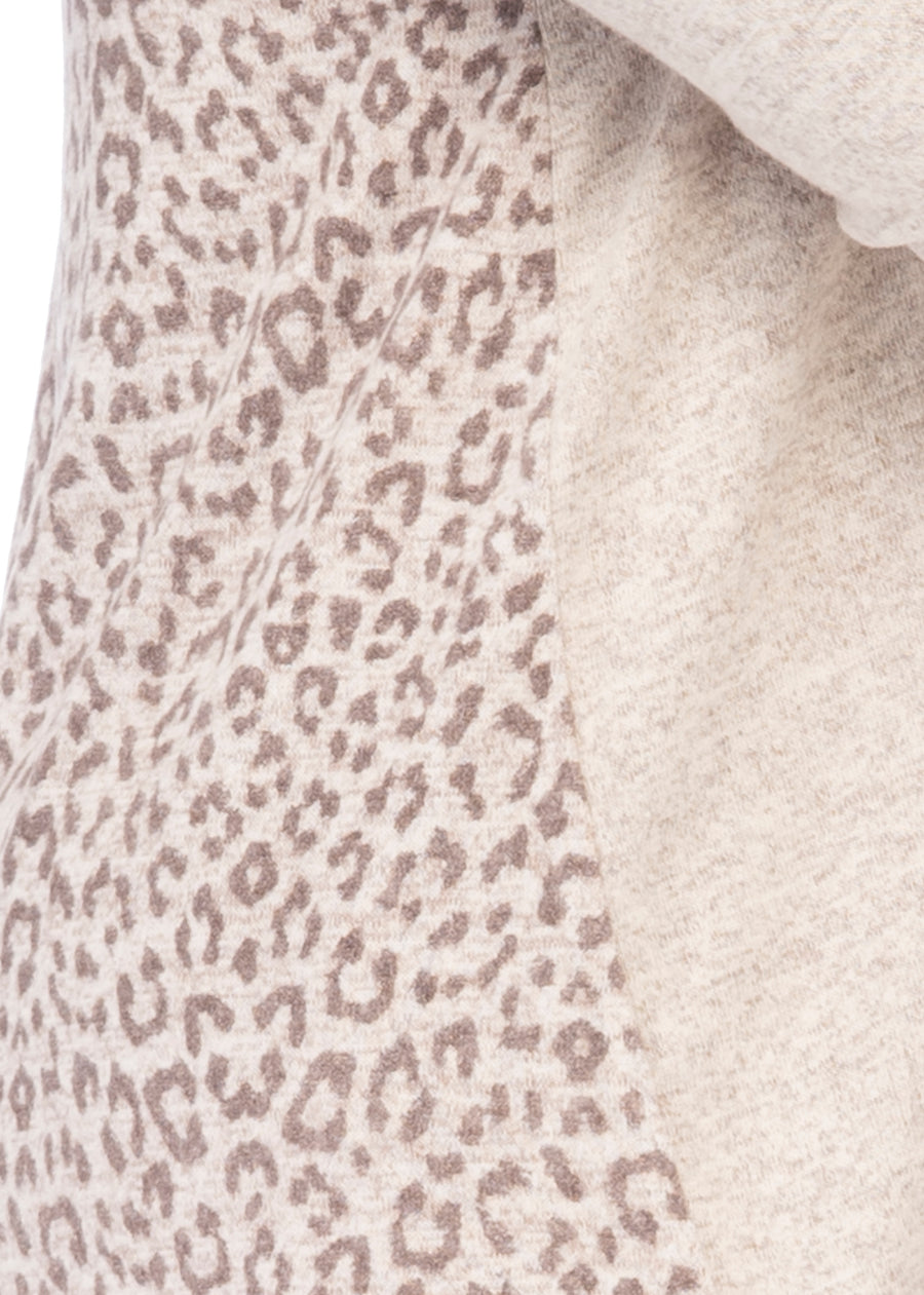 Reda Plus Cozy Pleat Back Top in Leopard