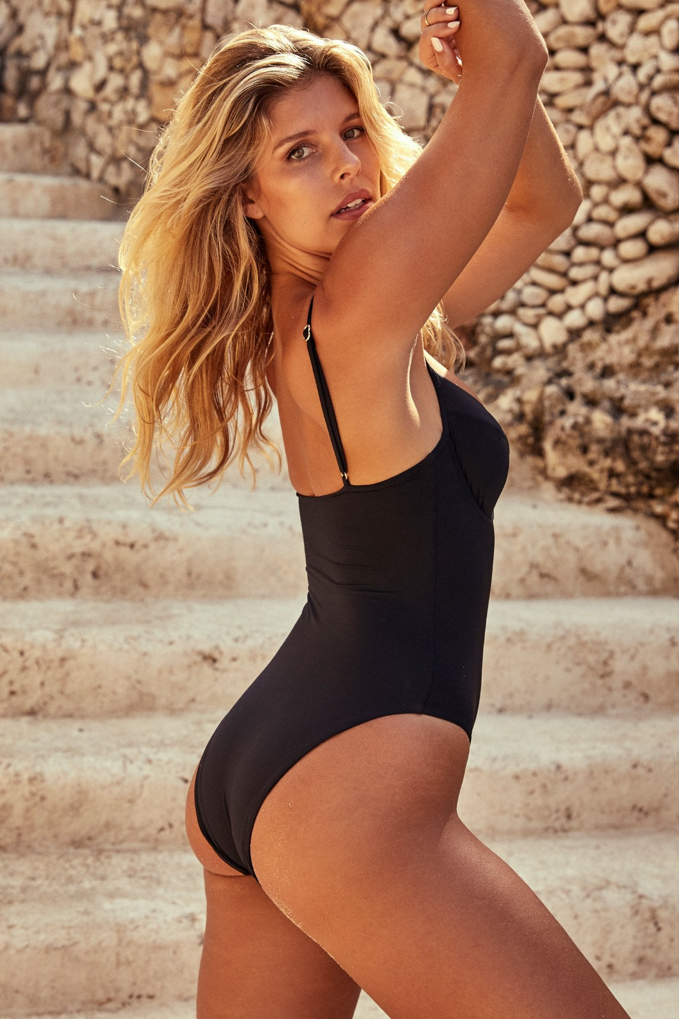 Maui One Piece - Black