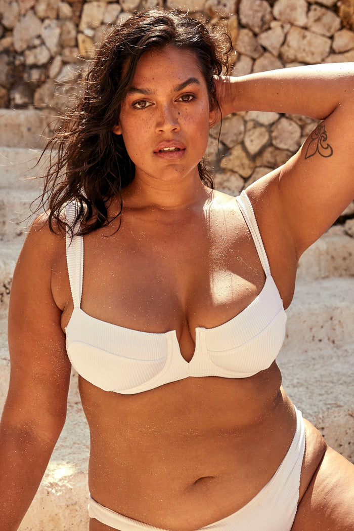 Voluptuous Clovelly Top - White Rib