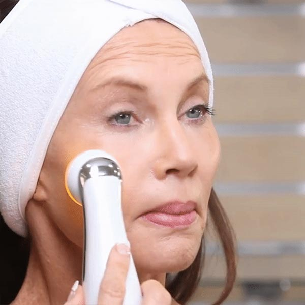 Handheld LED Light Therapy Device - Radio Frequency Skin Tightening Device