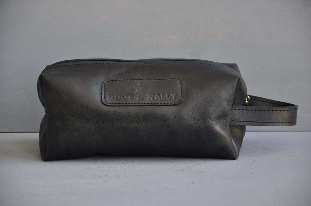Toiletry bag- Full leather (black)