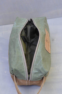 Toiletry bag - Full leather and reclaimed canvas (Tan/green)