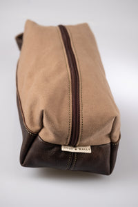 Toiletry bag  - Canvas & Leather (Beige / Buffed Brown)